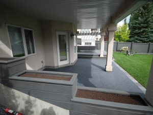 """Covered Deck with custom built """"Tiered Planter"""""""